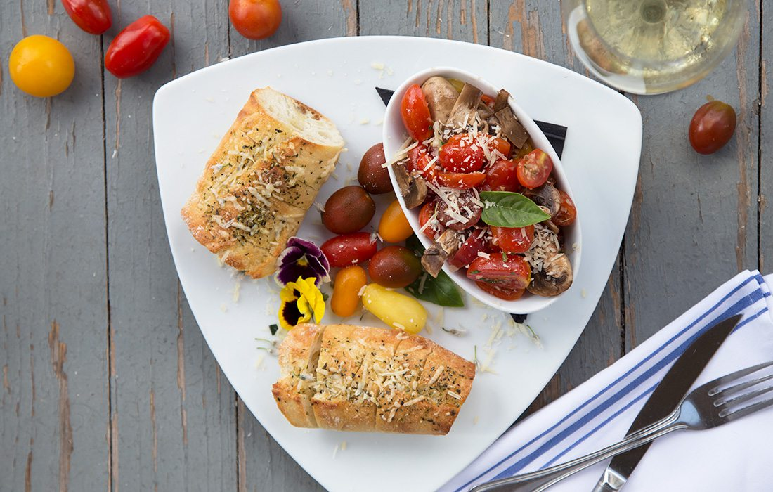 In Gilardi's Ristorante's bruschetta, tomatoes mingle with honey balsamic marinated mushrooms.