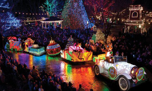 5 Best Christmas Light Road Trips