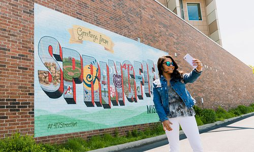 5 Sunny Selfie Spots in Springfield, MO