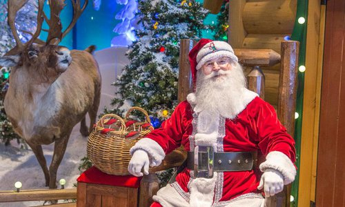 sit on santas lap at bass pro in springfield mo