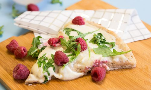 Cream Sauce Pizza with Raspberries and Arugula