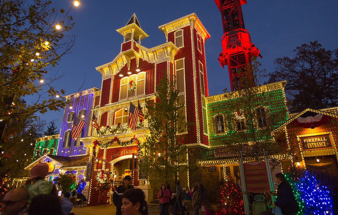 silver dollar city christmas festival in branson missouri - When Does Branson Mo Decorate For Christmas