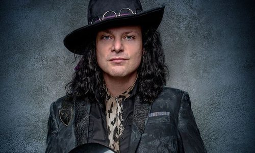 Award-Winning Anthony Gomes Plays the Blues