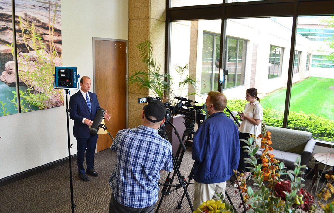 CoxHealth CEO Steve Edwards addresses media about COVID-19 unit