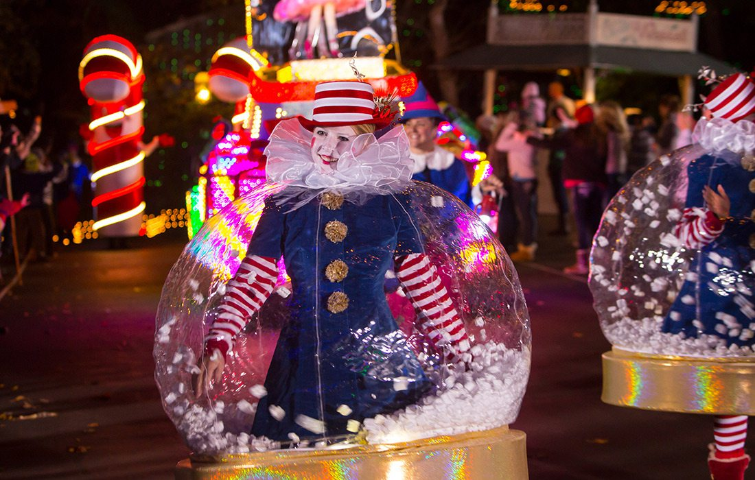 Old Time Christmas Light Parade Silver Dollar City Branson MO