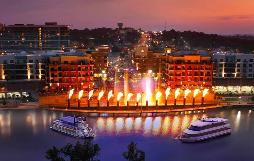 Fountain show at Branson Landing
