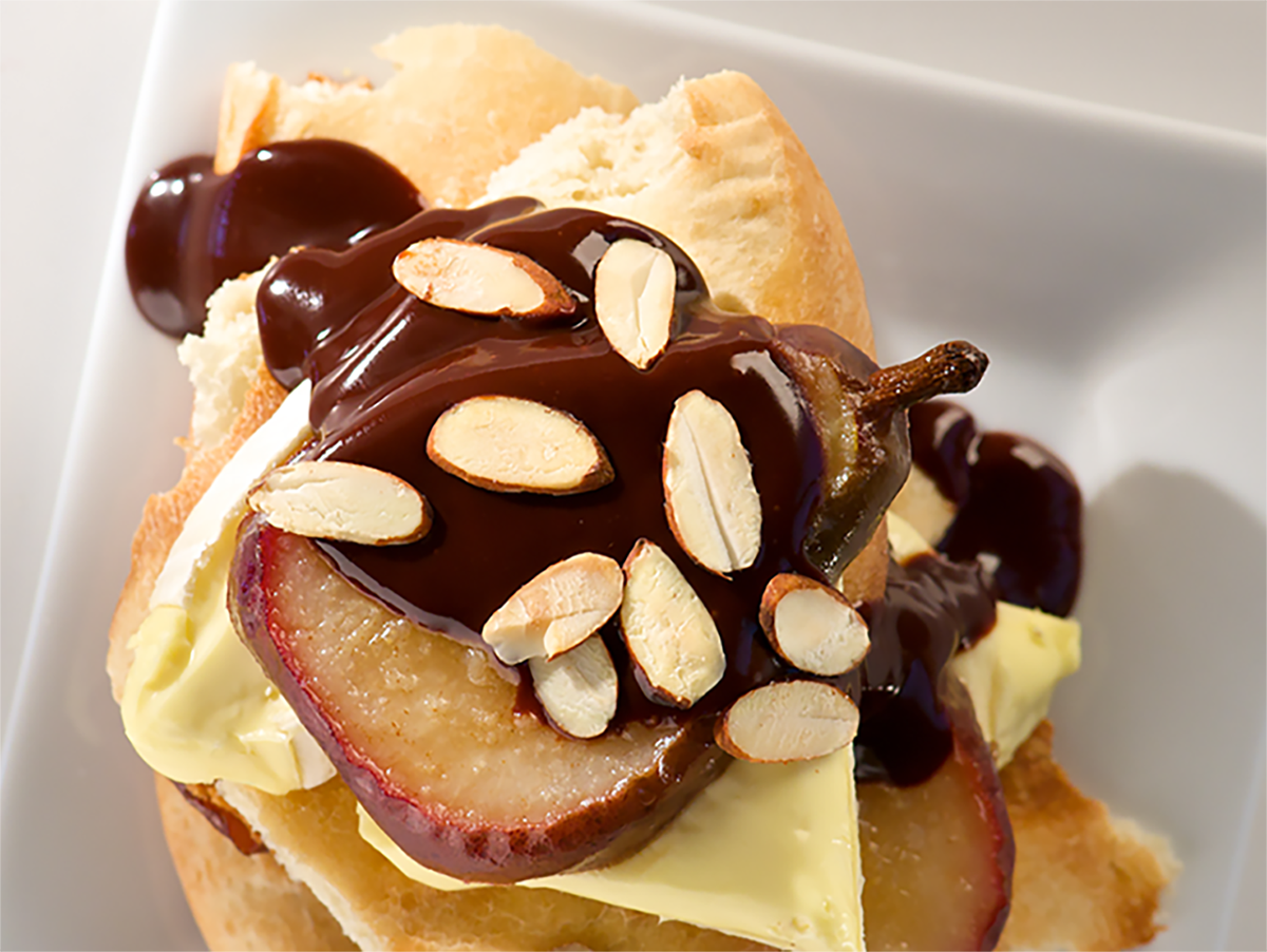 Caramelized Pear and Chocolate Ganache Pizza