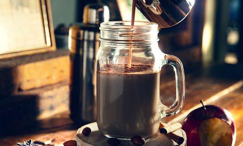 chai latte cocktail