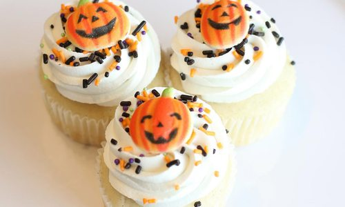 Halloween decorated cakes by Charity Fent