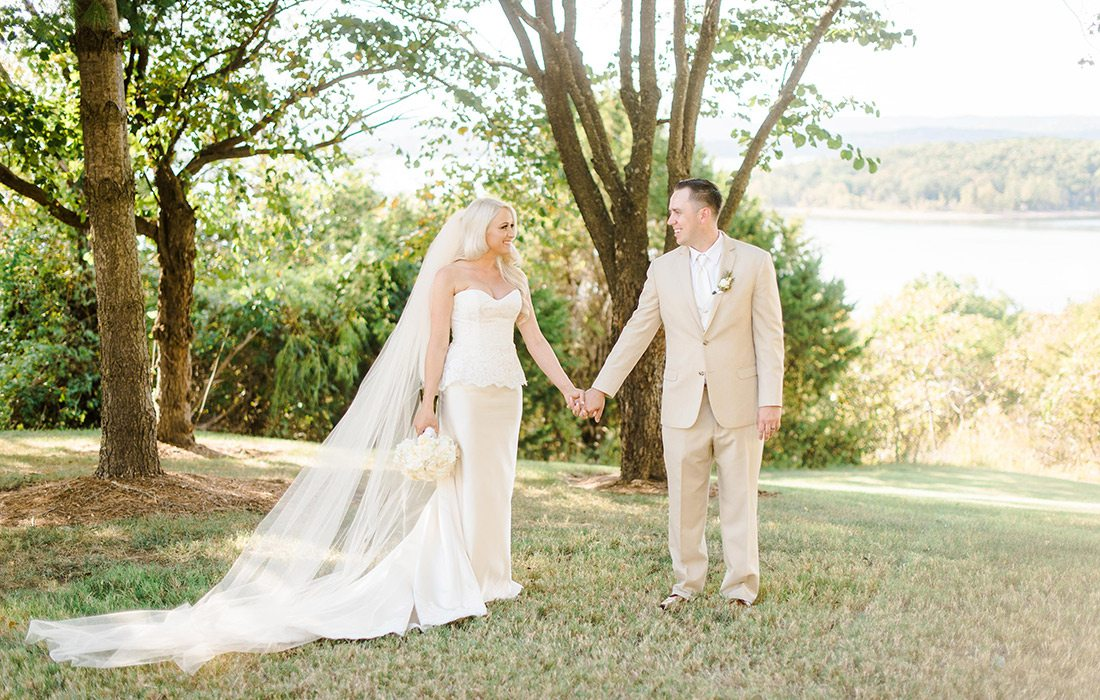 Wedding couple at Chateau on the Lake in Branson MO