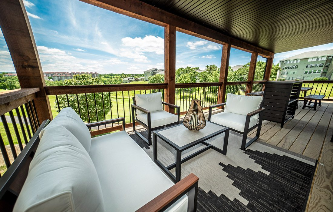 Outdoor balcony at Chateau Cove