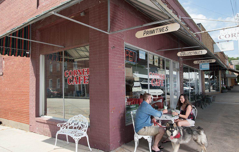 Hickory Grove Cafe In Crane, MO