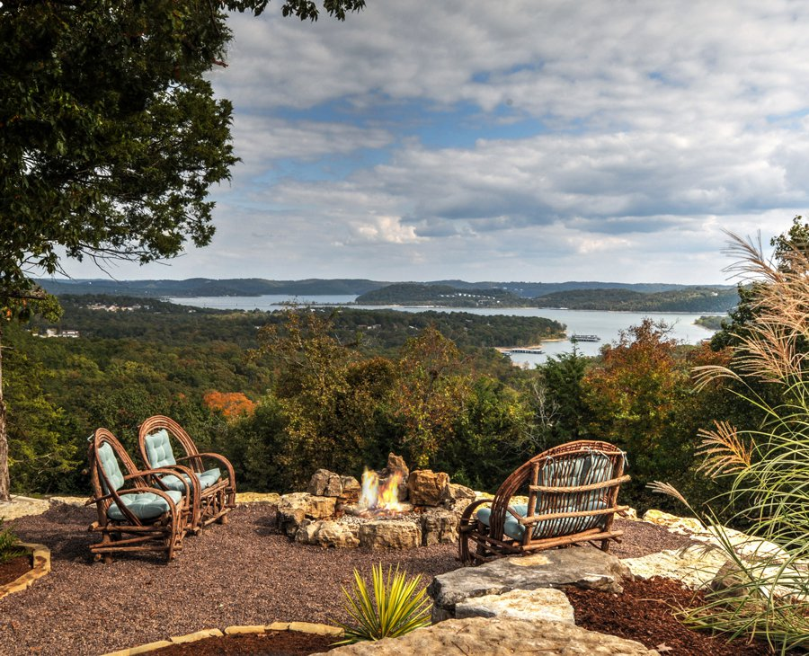 Table Rock Lake house overlooking Kimberling City Bridge