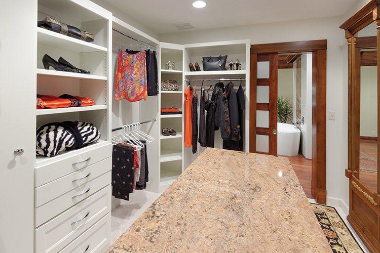 417 Home Design Awards 2015 - Bathroom Winner - Custom Closet