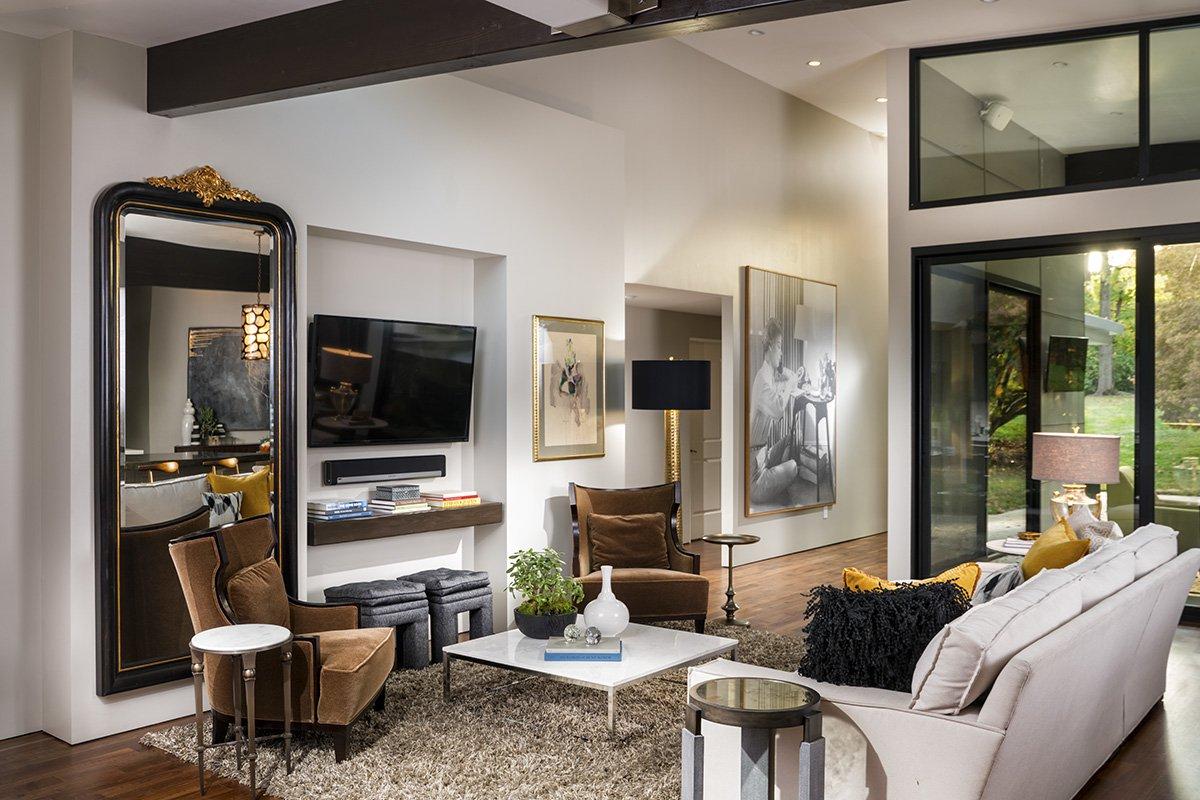 417 Home Design Awards 2017 - Historical Renovation: Family Room
