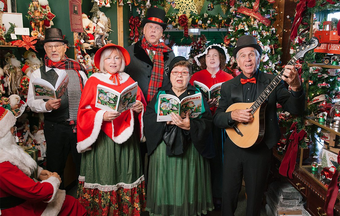 Dickens Carolers of Branson