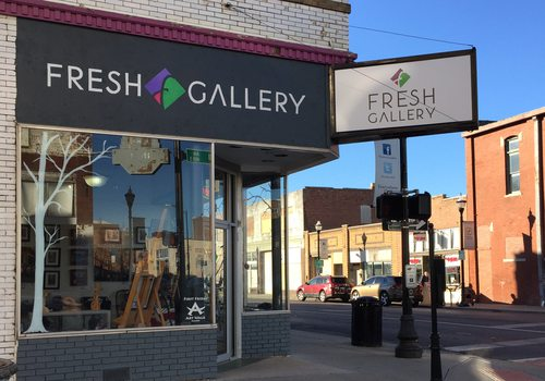 outside of fresh gallery in springfield