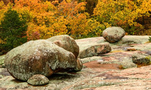 Boulders along the Braille Trail at Elephant Rocks State Park