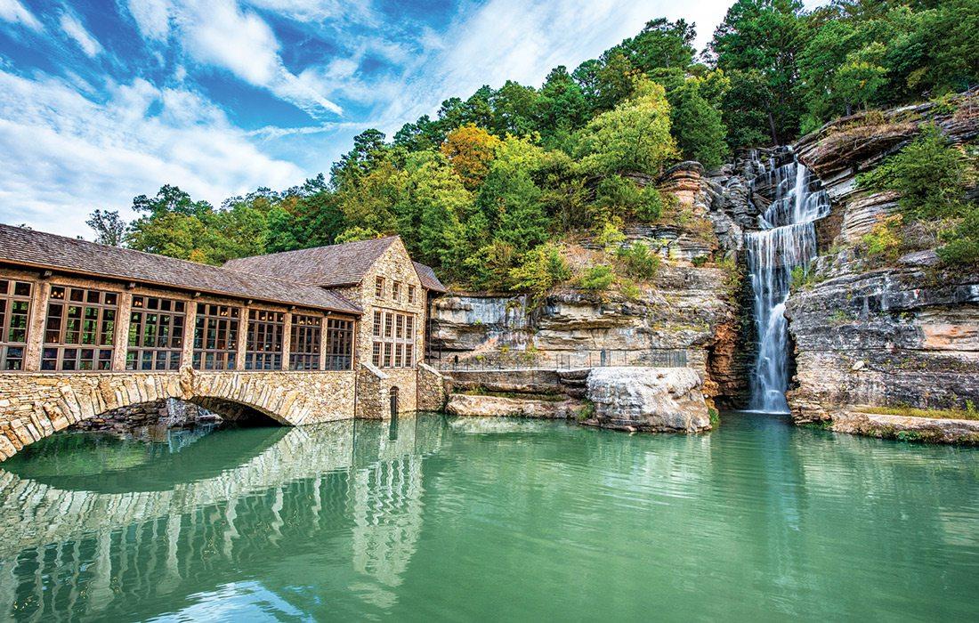 Dogwood Canyon falls museum