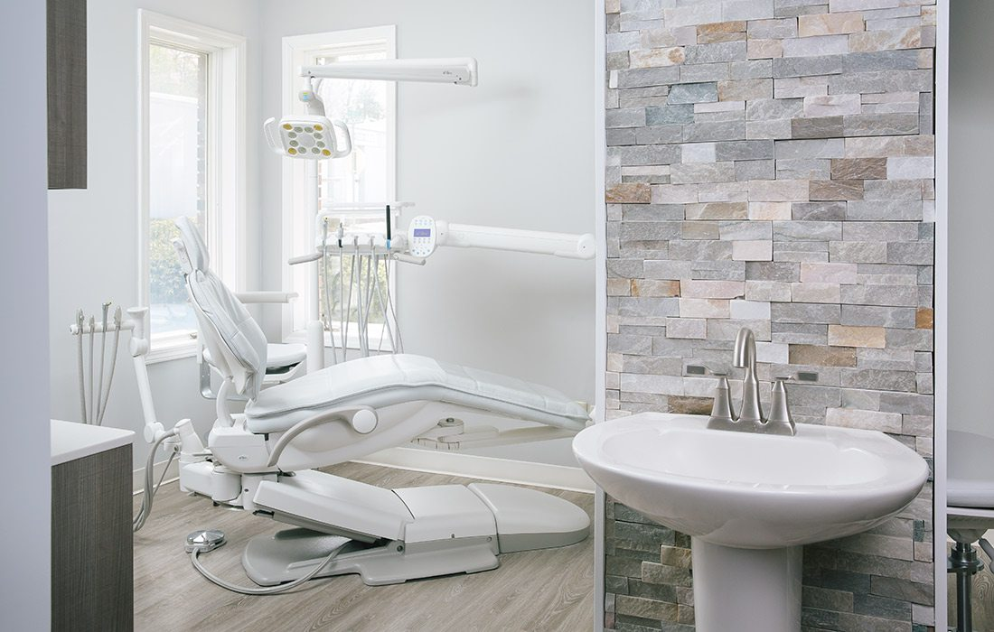 Dental exam room at Forum Dental in Ozark, MO