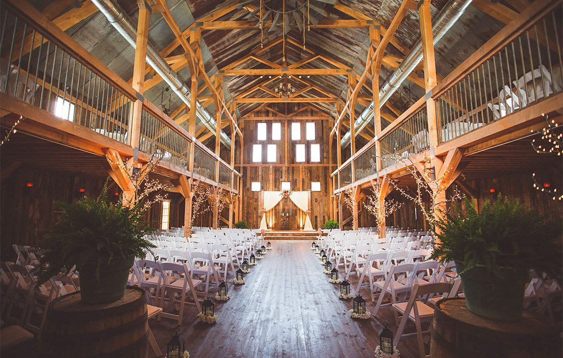 The Gambrel Barn Rose Wedding