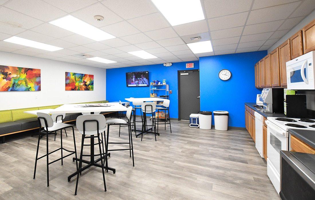 Grooms interior breakroom design photo