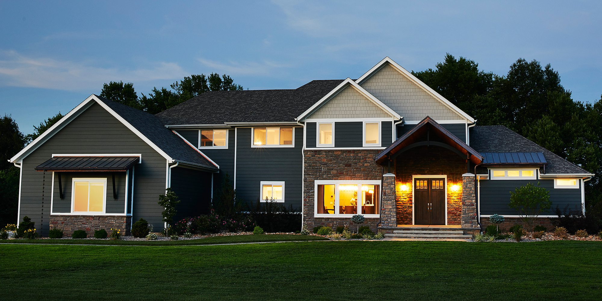 $500,000-$750,000 Homes of the Year Winner Timeless American Home Exterior