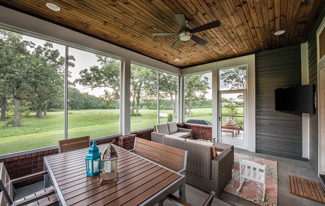 $500,000 to $750,000 2015 Homes of the Year Winner - Back Porch