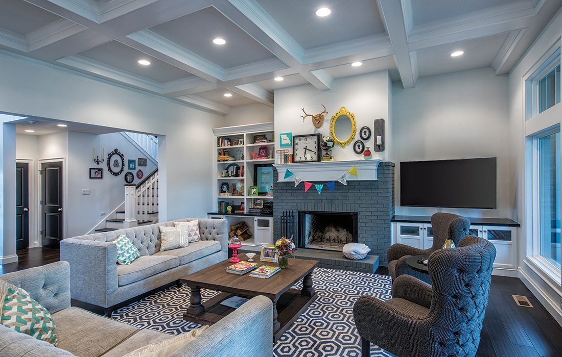 $500,000 to $750,000 2015 Homes of the Year Winner - Living Room