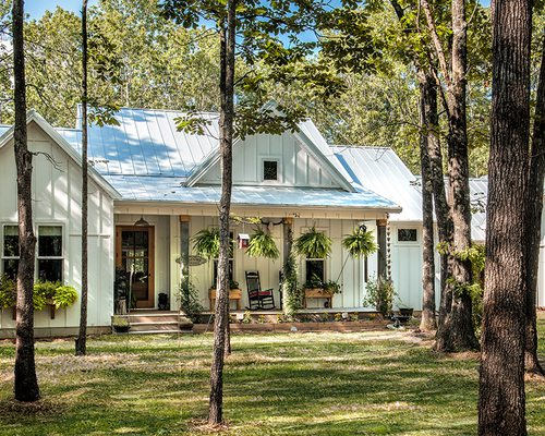 Modern farmhouse home in Springfield MO