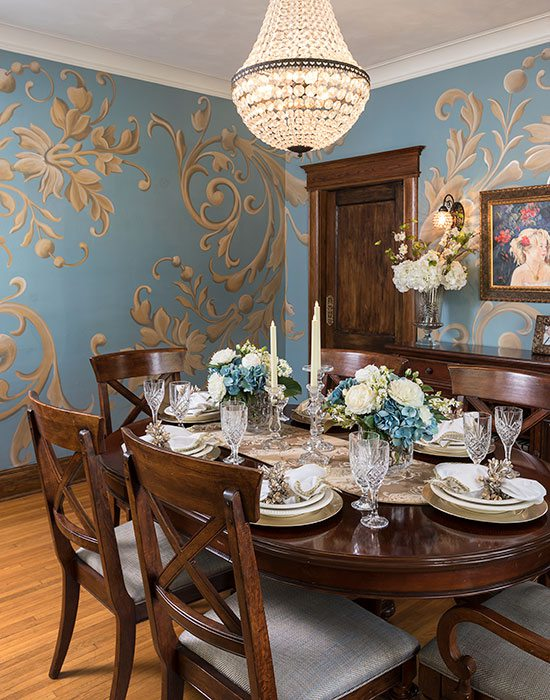 bold wallpaper in dining room
