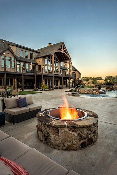 417 Home - Homes of the Year 2016 - $1 Million Plus Winner - Outdoor Living