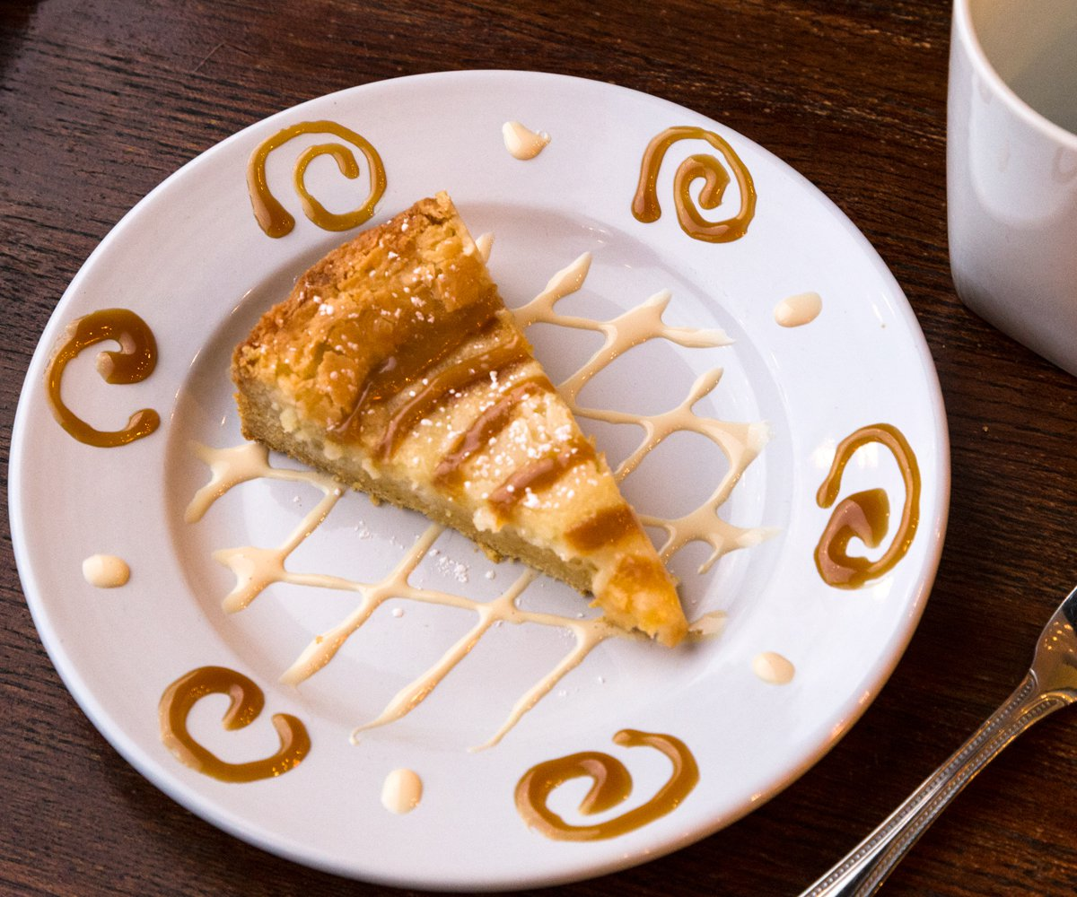 Gooey butter cake with caramel topping