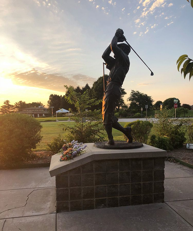 Statue of Payne Stewart at the Missouri Sports Hall of Fame