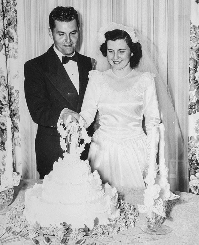 John and Juanita Hammons on their wedding day