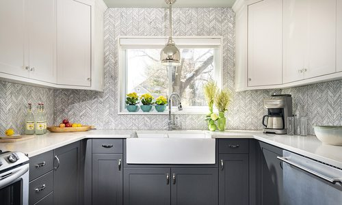 White and grey chevron kitchen tile backsplash