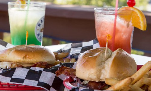 5 Best Places to Eat on the Lake