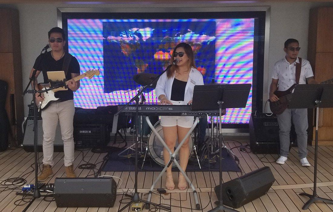 Marina Pool Band