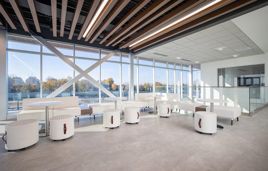Grooms design of interior office