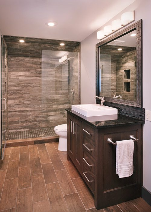 Bathroom with tile from Midwest Design Supply in Nixa MO