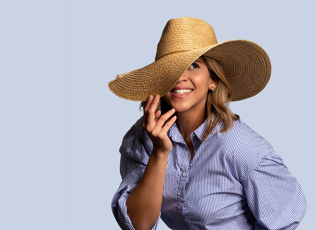Geraldine Thomas modeling hat
