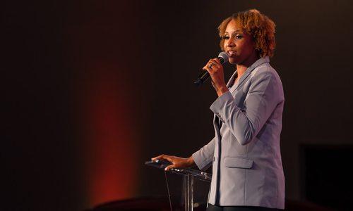 Nona Jones speaking at Ladies Who Launch 2021