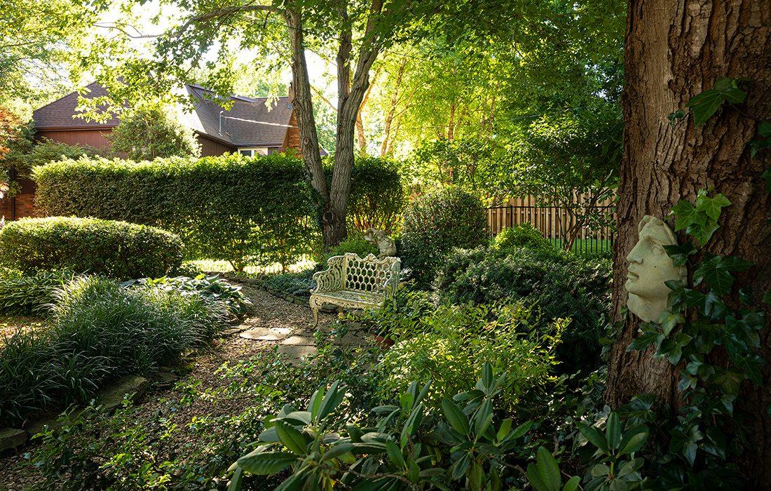 Robert and Peg Carolla's backyard garden