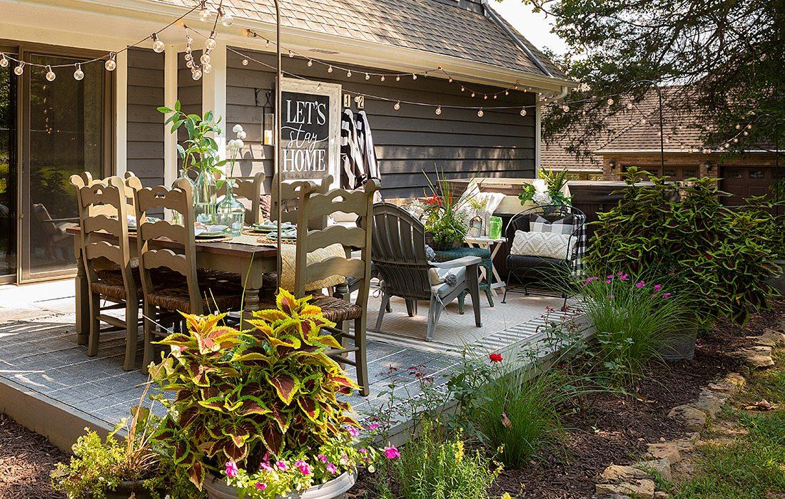 Tina Keith's back porch decor in Branson MO