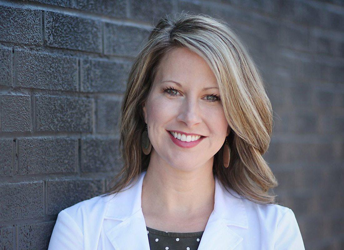 Dr. Leslie Marshall