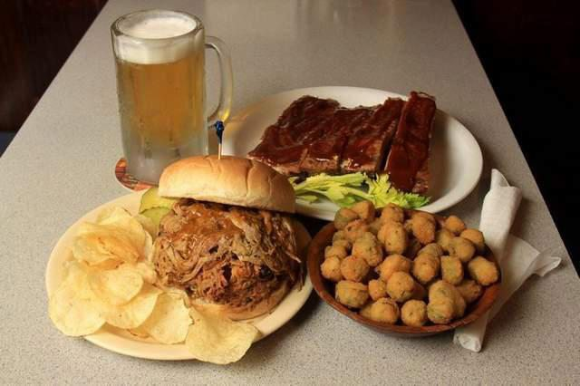 The barbecue tastes like home-cooking at this established family-run joint.