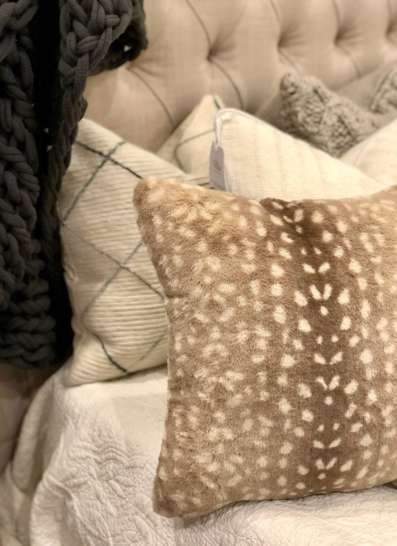 Deerskin pattern pillow case