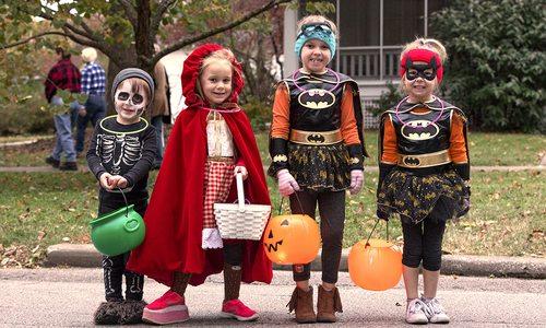 Trick or treating kids in Rountree neighborhood Springfield, MO