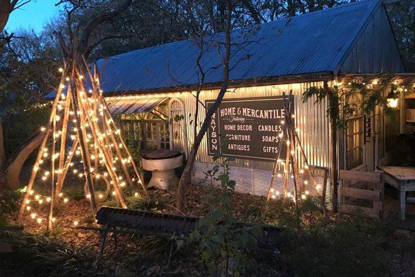 Visit the Schofield + Gray Seasonal Market in Fordland, MO