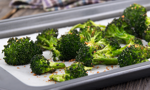 Simple Garlic-Roasted Broccoli